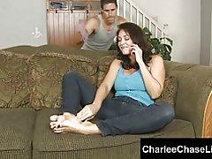 Kinky big tit milf charlee chase foten knullet og kilte